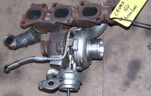Turbo FIAT Croma 1.9 JTD 16v complete with exhaust manifold.